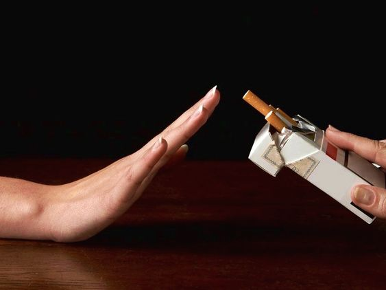 Renuntarea la fumat provoaca dureri articulare, ce să facem...